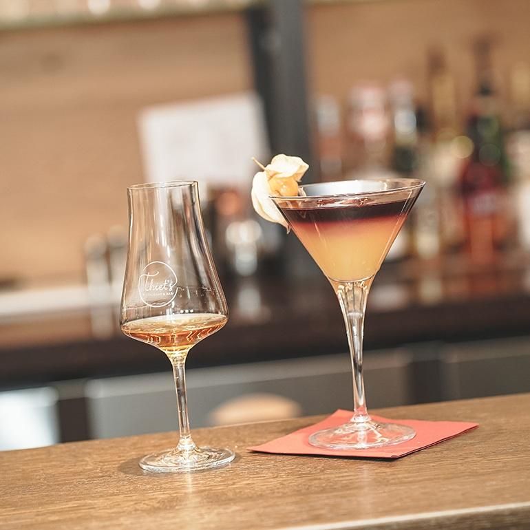 Cocktail und Wein bei Thiet
