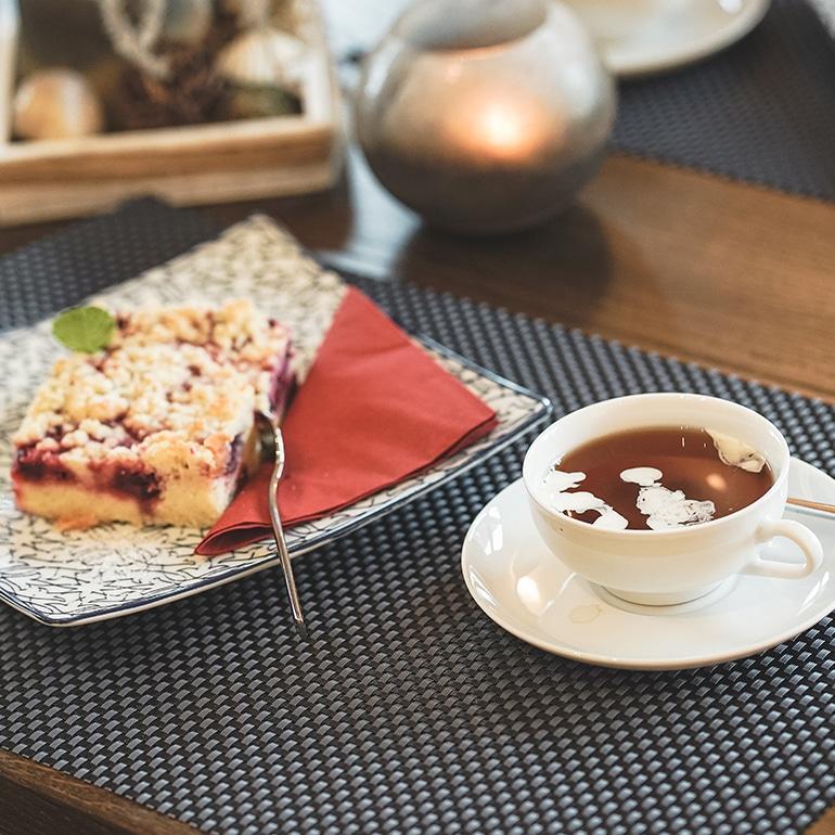 Tee und Kuchen bei Thiet